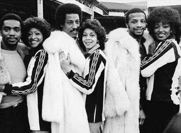 Three Degrees with the West Brom players